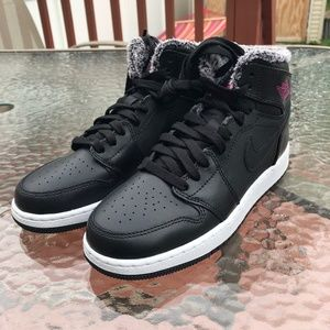 Nike Air Jordan 1 Black Pink Basketball Shoe
